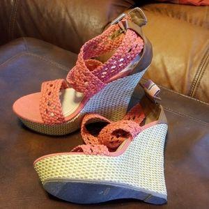 Bamboo Coral Wedges